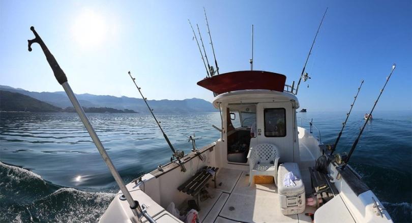 рыбалка на катере или яхте